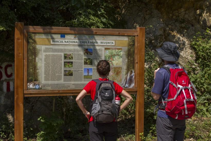 Sasca Montană – Potoc – Socolari – Ciclova Montană – Oraviţa – Răcăşdia – Ciuchici – Macovişte – Sasca Montană